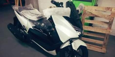 Honda-forza-125-warna-putih