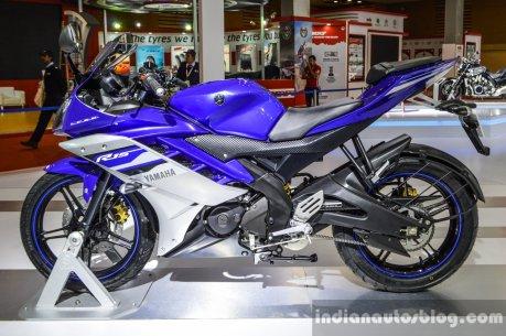 Yamaha-R15-V2-Revving-Blue