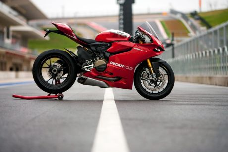 Ducati-panigale-1999-red