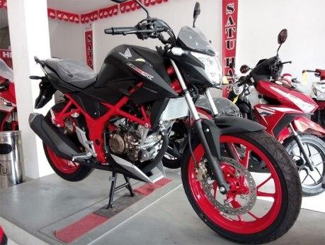 All-New-CB150R-SE-Raptor-Black