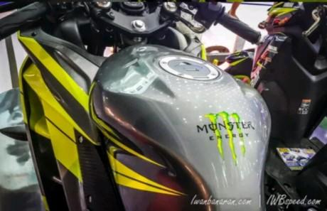 tangki-Yamaha-R15-monster-energy