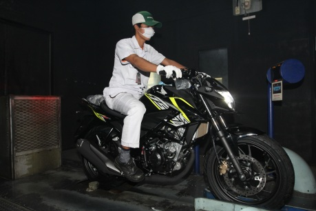 Honda-new-CB150R-wild-black