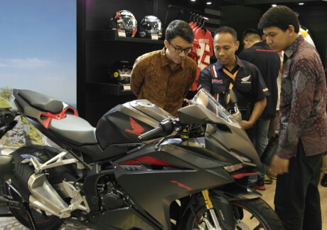 all-new-honda-cbr250rr-giias-2016-ice-bsd-.jpg