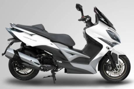 kymco-maxi-scooter-400i-BMspeed7.com_