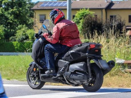 Spyshot Yamaha Xmax 400