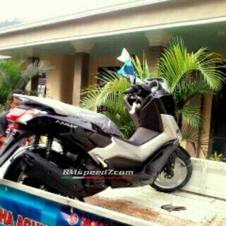 Yamaha-Nmax-155-vva-warna-hitam-metallic