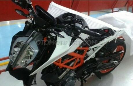 Ini Bocoran kakaknya yang kini juga sudah dirilis (KTM Duke 390)