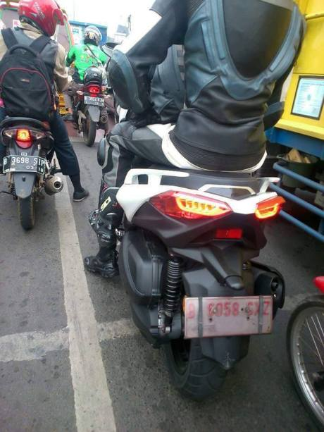 spyshot yamaha xmax 250 bmspeed7 com. Black Bedroom Furniture Sets. Home Design Ideas