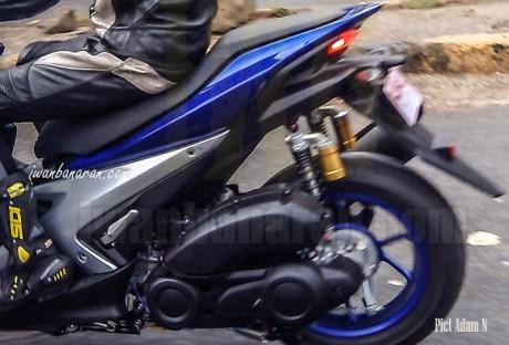 Yamaha-NVX155-Racing-blue