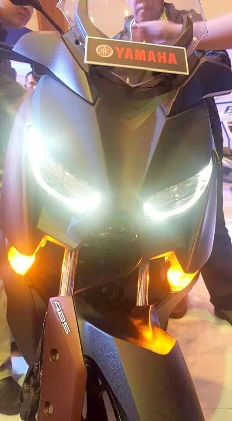 Ketika Headlamp LED Yamaha Xmax 250 Menyala