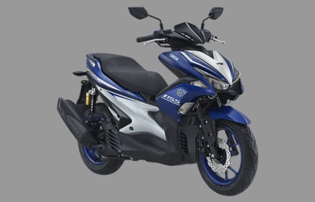 Foto studio Yamaha Aerox 155 warna biru/race blue