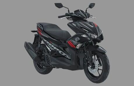 Foto studio Yamaha Aerox 155 warna hitam metalik