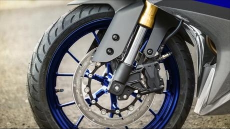 Front-frok-USD-Yamaha-R125
