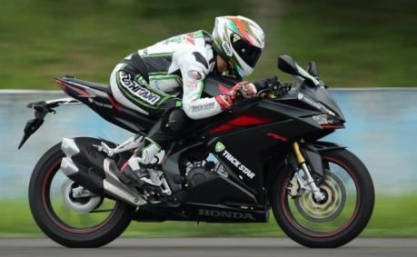 Pebalap Trickstar Racing geber All New Honda CBR250RR disirukuit Sentul
