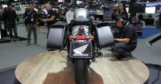 honda-rebel-500-2016-thai-motor-grey-rear