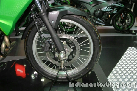 new-kawasaki-versys-x300-front-wheel-at-thai-motor-expo.jpg