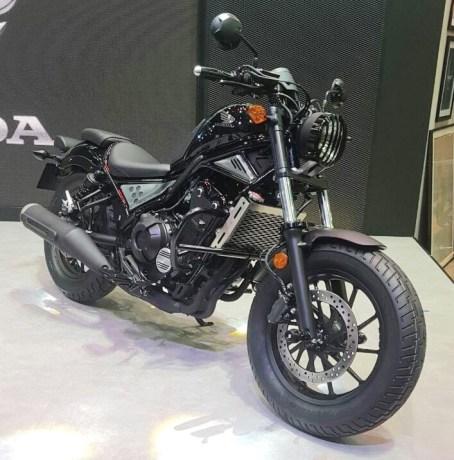 thailand-motor-expo-2016-honda-rebel-500-hitam-metalik